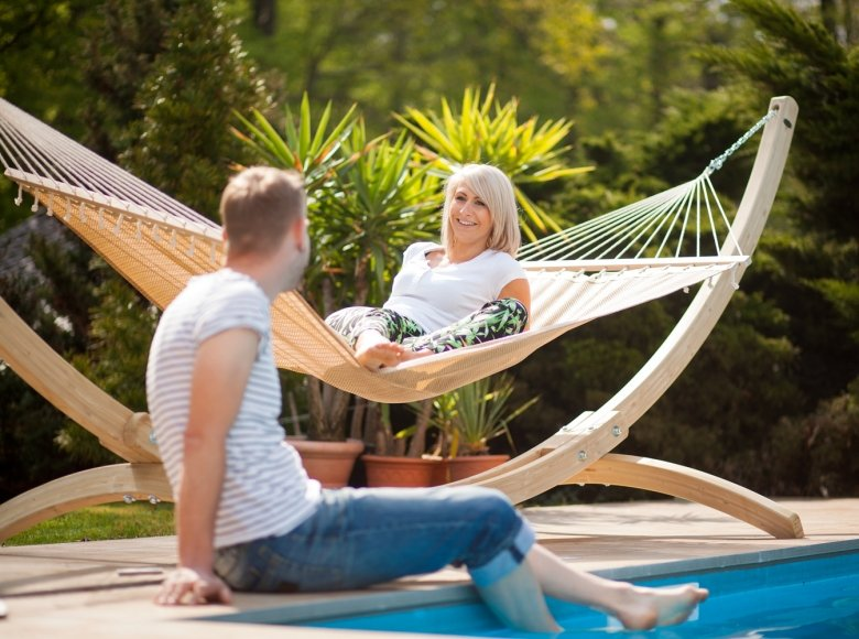How do you hang a hammock in your garden?