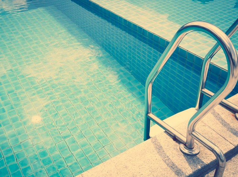 Tips on how to heat your swimming pool faster