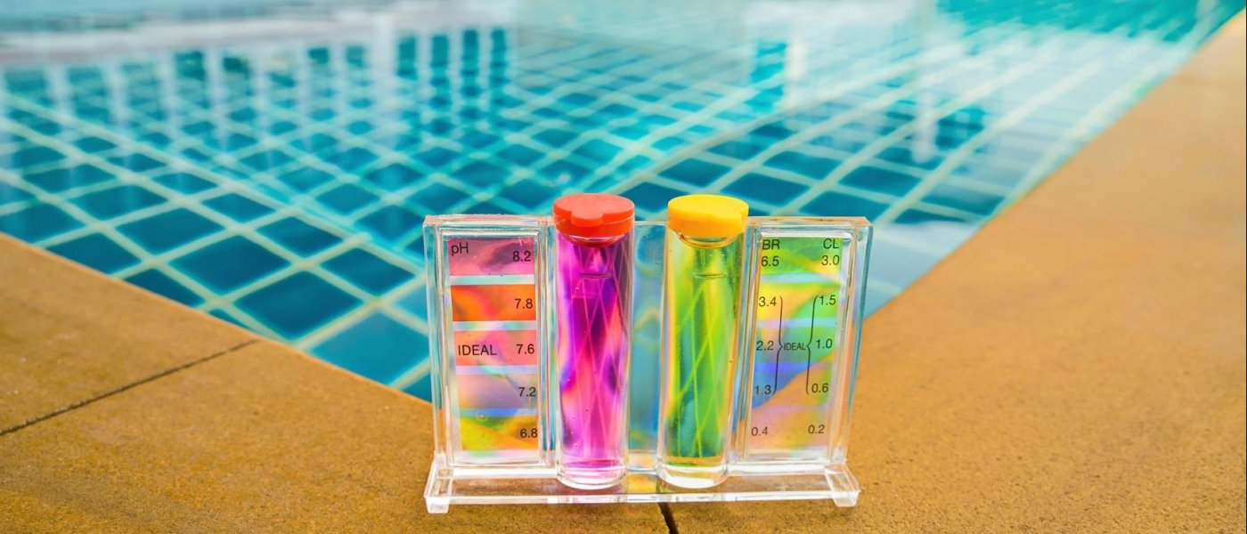 Which tester is best for measuring the pH and chlorine value of your pool?