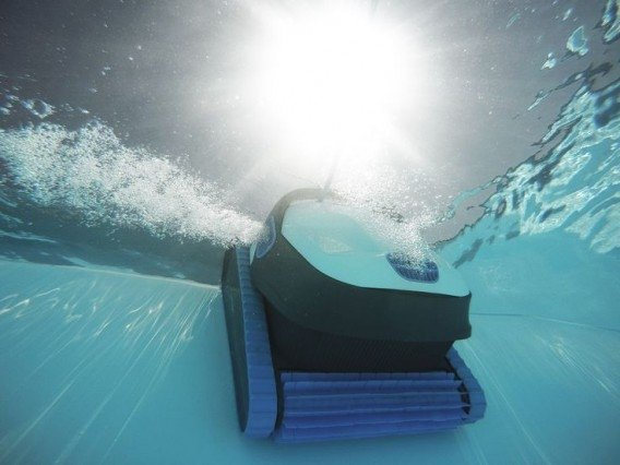 How should you clean a swimming pool? | Webshop.swimmingpools.be
