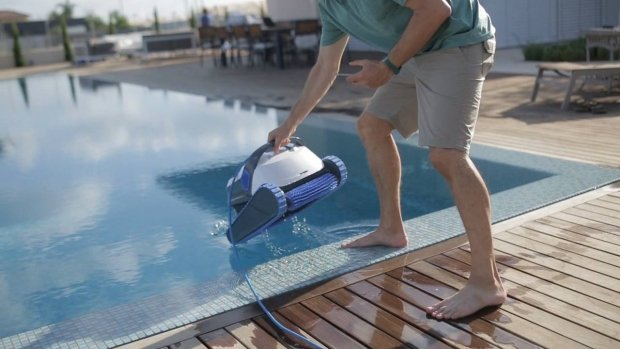 Drawbacks of the S200 and S300i Smart swimming pool robots