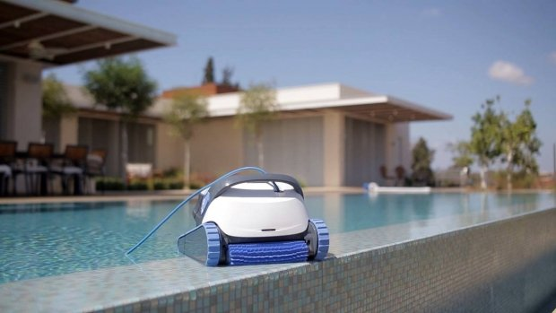 Functional description of the swimming pool robot