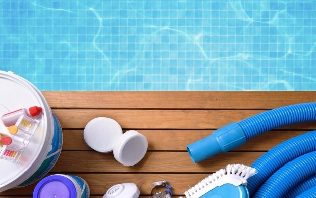 How often does the swimming pool need chlorine? | Webshop