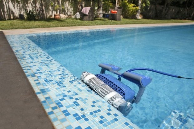 4 categories of pool robots