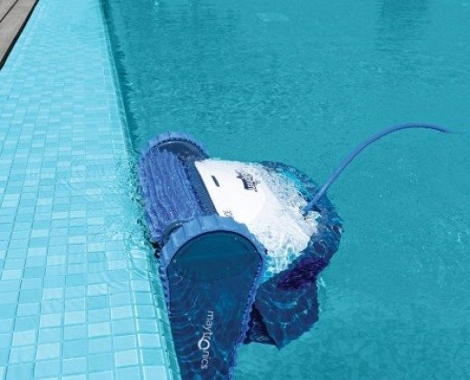 Automatic pool vacuum cleaners