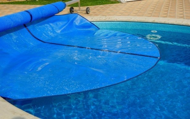 Tip 5: Cover your swimming pool